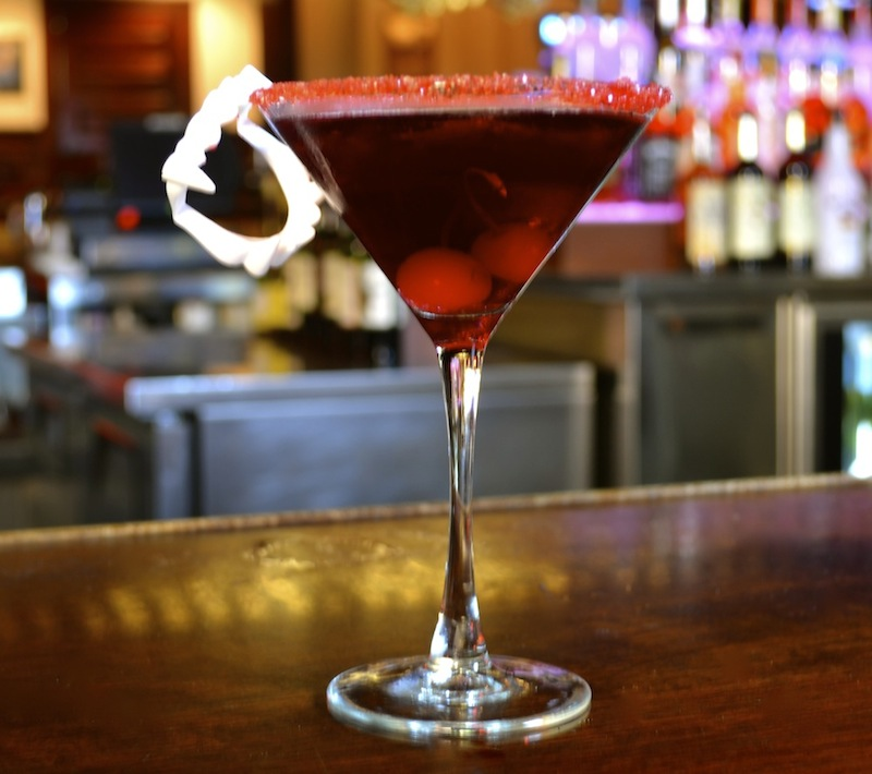 Cocktails How-To: Vampire Kiss Martini